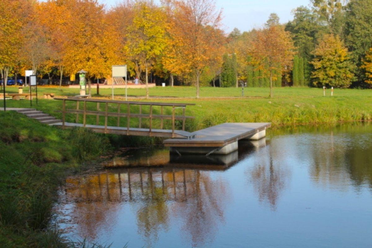 Łowisko, most pontonowy w Dzierżąznej